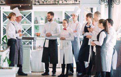 manager-personnel-restaurant
