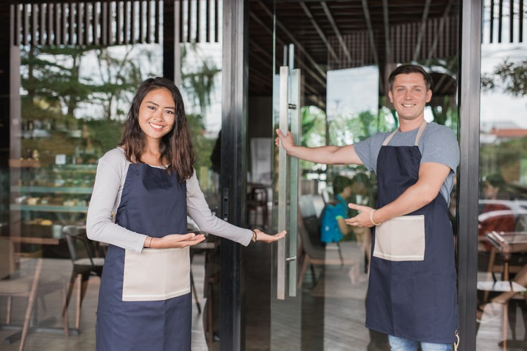 Comment bien accueillir un client au restaurant ?