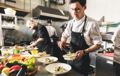 Quelle est la tenue de cuisine professionnelle dans la restauration ?